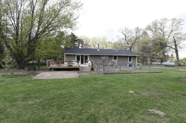 one story home for sale in isanti mn country setting