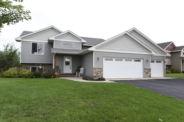 Cambridge mn homes for sale under 150 000 for Homes to build under 150k