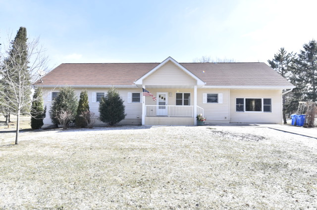 Isanti county homes for sale 200k under for Two story homes under 200k